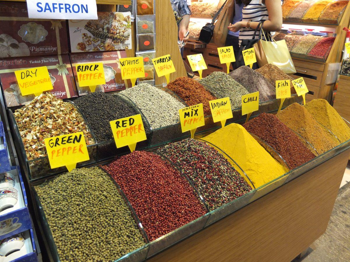 pimenta e açafrão no souk