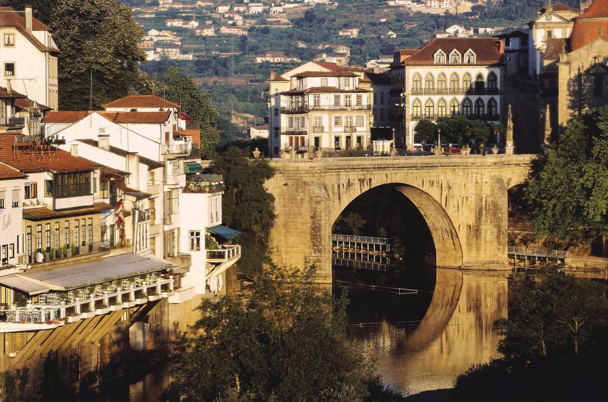 ponte sobre o Tâmega