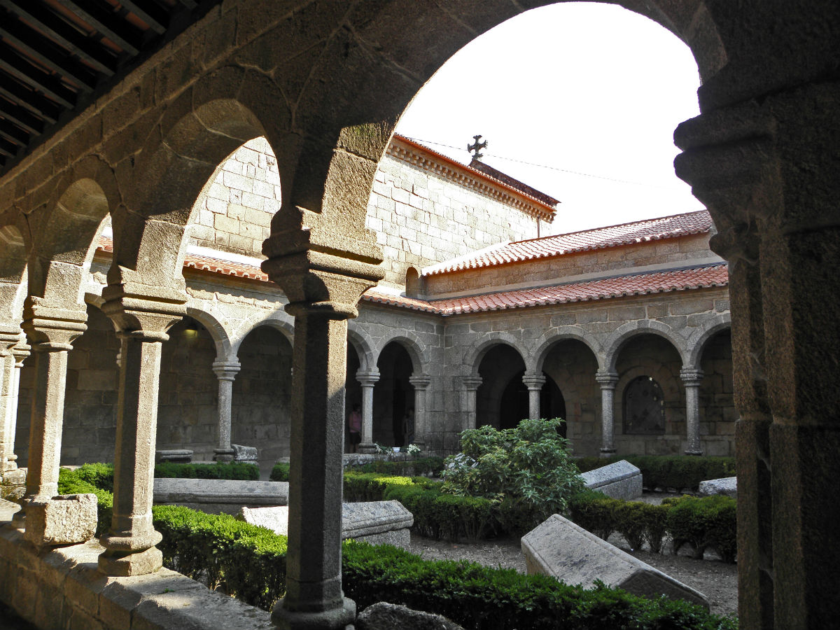 São Pedro de Cête, Paredes