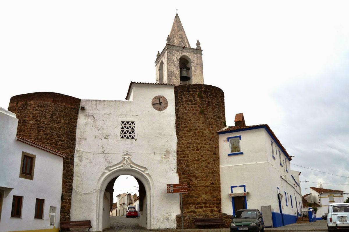 Serra d'Ossa e Convento de São Paulo