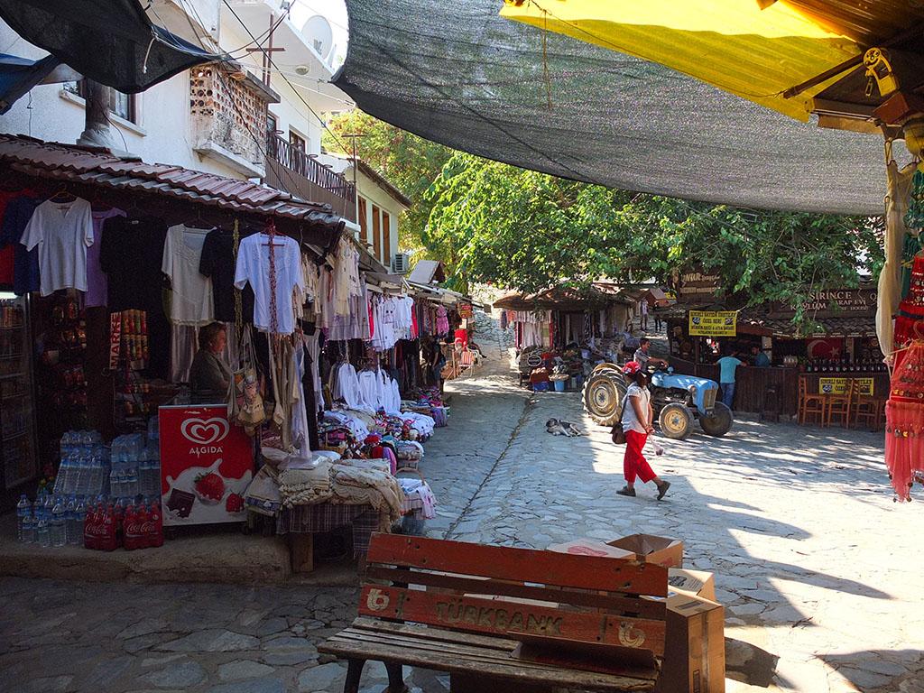 Sirince é uma aldeia turística