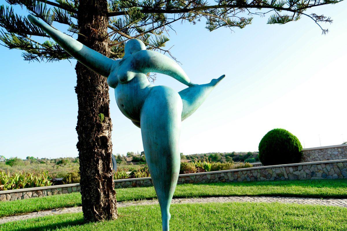 As esculturas de Karl Heinz Stock povoam o espaço